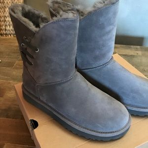 27dc5d398ab UGG Constantine in Taupe NWT